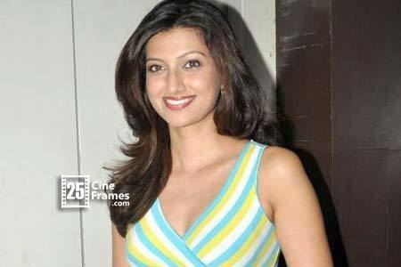 Hamsa Nandini confirmed about her Love affair
