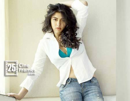 Hansika Motwani surpassing Samantha and Shruti Haasan