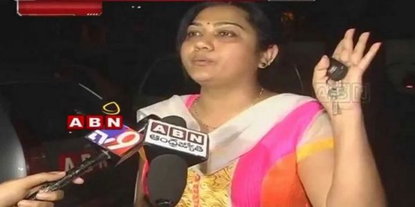 I Will Sit In Pawan Kalyan's House For Justice - says Hema
