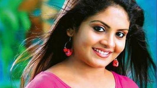Malayali TV Actress Gayathri Arun Leaked Video Went Viral On WhatsApp and Internet