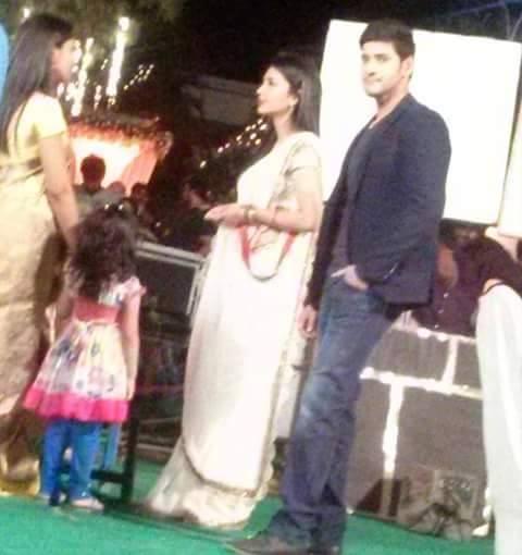 Srimanthudu leaked photo Mahesh Babu and Shruti Haasan Look