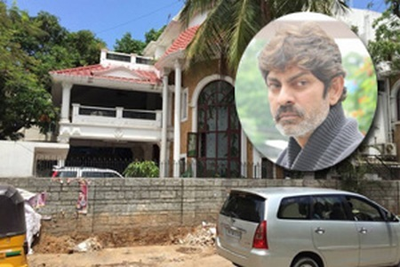 A House Makes Actor Jagapathi Babu Tearful deeply ...