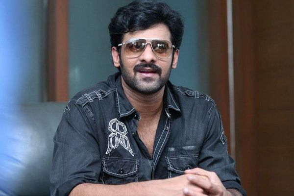 Prabhas gives Tag Lines to Baahubali Team Definitely your Love towards Prabhas Doubled from Now