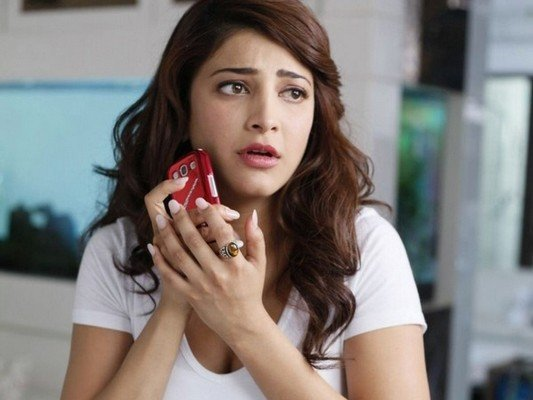 What happened to Actress Shruti Haasan's Voice