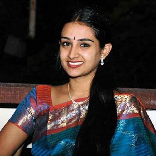 Actress Laya injured in an Accident