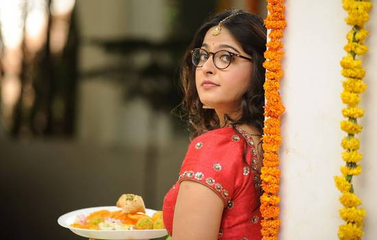 """Anushka Shetty Clarifies and Rubbishes all rumors about """" Size Zero """" look and Said the Truth"""
