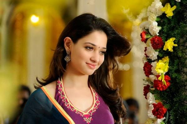 Tamanna Bhatia In Saree: Tamanna Bhatia Love Marriage Details