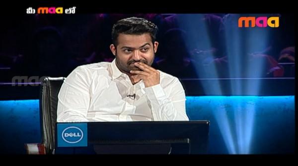 Jr NTR Funny Punch on Nagarjuna in Meelo Evaru Koteeswarudu EXCLUSIVE