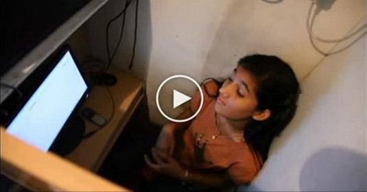 Teenage School Girl Did Shocking Thing On Internet Cafe, What She Did Is Unbelievable Don't Miss The End Twist