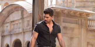 Allu Arjun Gets Stuck In Temple Lift